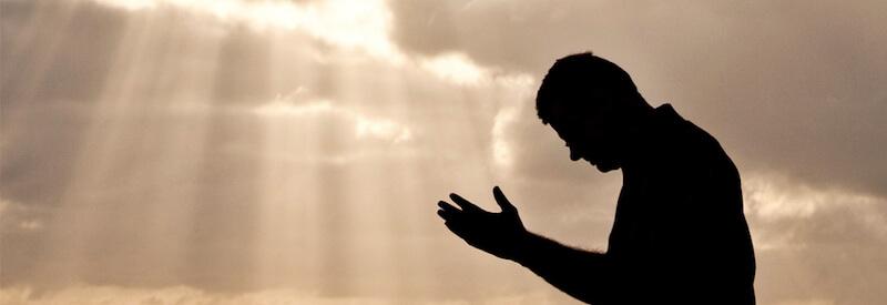 mengatasi masalah hidup dengan berdoa