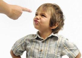 cara mengatasi perilaku negatif anak