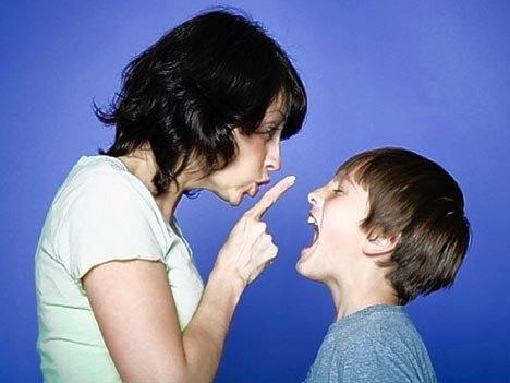 perilaku anak suka melawan